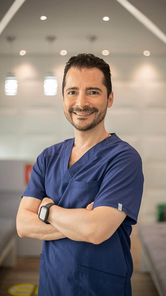 Dr Andrés Sanin Clinica Leblanc